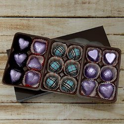Mouthwatering Pack of 18pcs Assorted Homemade Chocolate to Hooghly