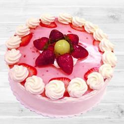Tempting Strawberry Cake to Bakura