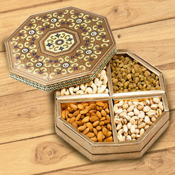 Premium Assorted Dry Fruits to Howrah
