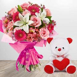 Lovely Teddy Flowering Love Bouquet to Howrah