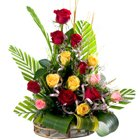 Mesmerizing 15 Mixed Roses in a Beautiful Arrangement to Burdwan