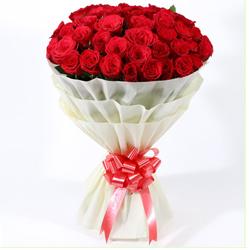 Dazzling Fondest Affections Dutch Roses Premium Bouquet to Puruliya