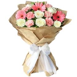 Petite Truly Amazing Floral Arrangement to Jalpaiguri