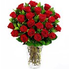 Traditional Red Roses Display in a Glass Vase to Hooghly