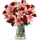 Charismatic Premium Arrangement of Affecting Flowers to Garia