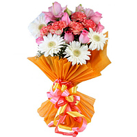 Pristine Hand Bunch of Assorted Flowers to North 24 parganas