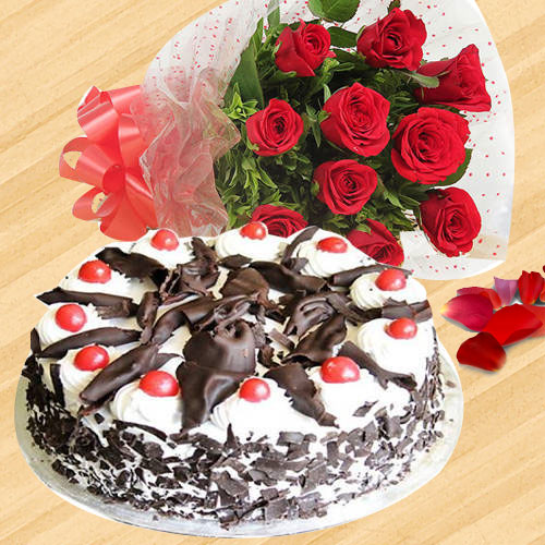 Online Combo of Red Roses Bunch with Black Forest Cake