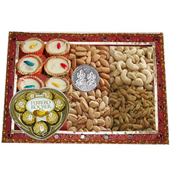 Remarkable Gift Tray of Diwali Assortments