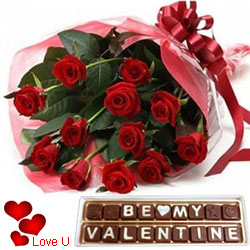 Attractive Gift Combo of Roses Bouquet with Hand Made Chocolate for V-day