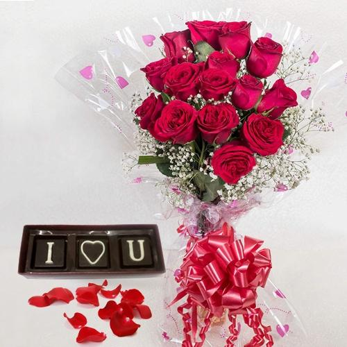 Appealing Red Roses Bunch with Handmade Chocolates Gift Combo