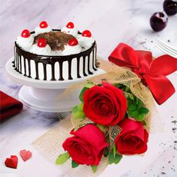 Touching 3 Red Roses with 1/2 Kg Black Forest Cake
