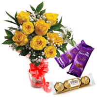 Long Lasting Bouquet of Yellow Roses with Dairy Milk Silk and Ferrero Roacher