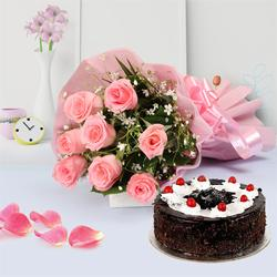 Yummy Chocolate-Coated Cake with Bouquet of Pink Roses