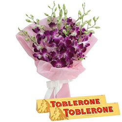 Perfect Day Orchid Bouquet N Toblerone Chocolate Bar