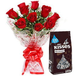 Lovely Red Roses Bouquet with Hershey�s Kisses Chocolate