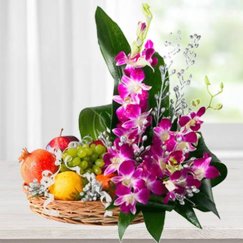 Pretty Flowers and 2 Kg. Fresh Fruits in Bamboo Basket