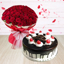 Extravagant Combo of Black Forest Cake and Bouquet of Red Roses