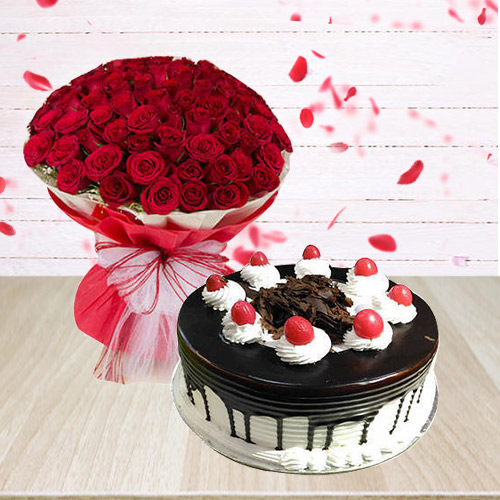 Send Red Roses Arrangement with Black Forest Cake Online