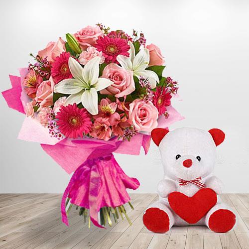 Lovely Teddy Flowering Love Bouquet