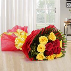 Unique Pure Delight 12 Mixed Roses Bouquet