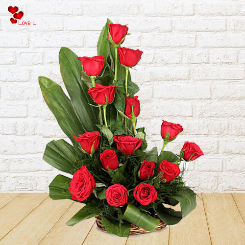 Buy Rose Day Gift of Dutch Roses Arrangement
