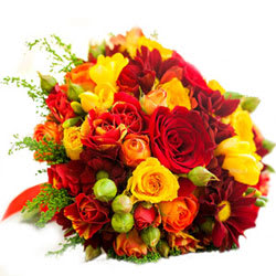 Aromatic Arrangement of Seasonal Flowers