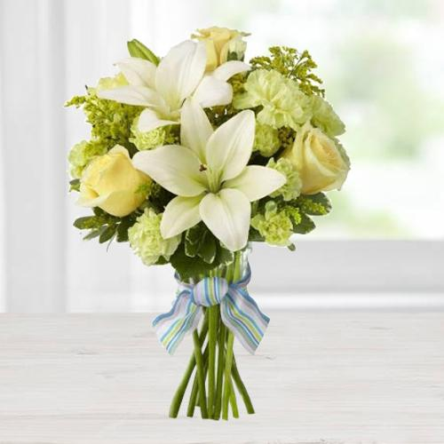 Admirable Bouquet of Lush Flowers