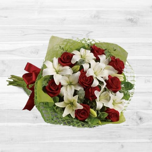 Genial Bouquet of Gracious Flowers