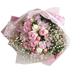 Lovely Pink and White Roses Bunch with Filler Flowers