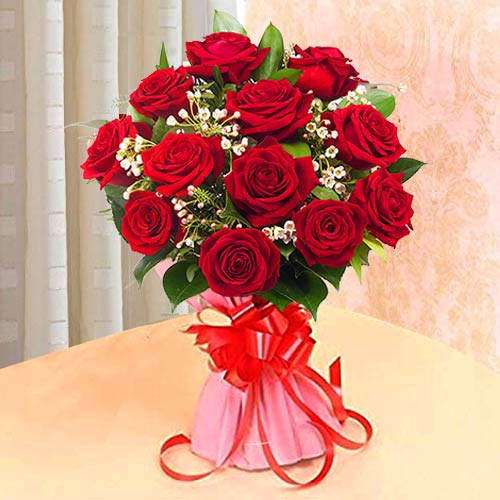 Fantastic Red Roses arranged in a Bunch