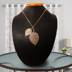 Radiant Avon Heart-Shaped Gold-Plated Necklace with Tassel