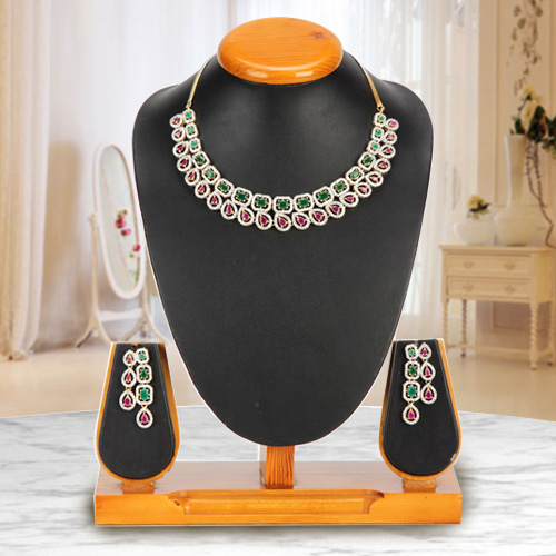 Luxuriant Luster Necklace with Earrings Set