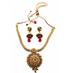 Beautiful Wedding Gift of Golden Necklace Set