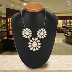 Lovable Ladies Floral Clustered Necklace from Avon