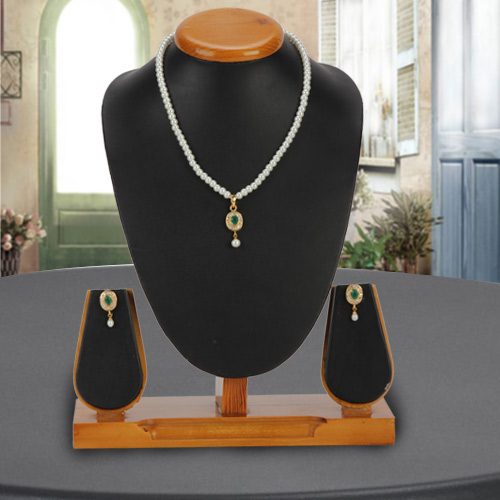 Lovely Design Pearl Pendent  N  Earring Set