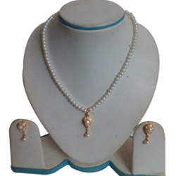 Chic Necklace Set adorned with Teardrop Design Fashion Pearls