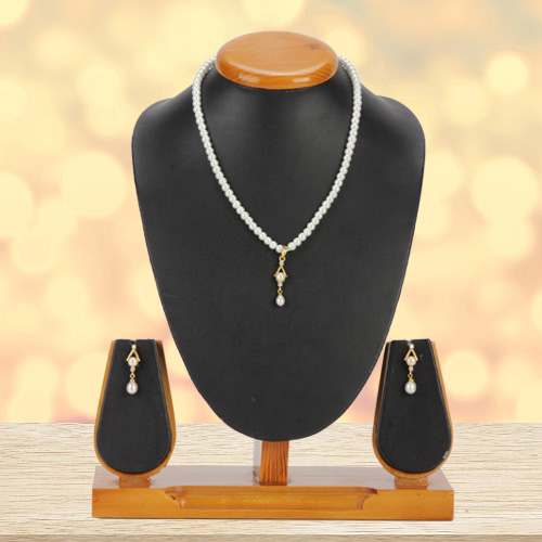 Breathtaking Pearl Pendent Set with Matching Earrings