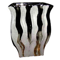 Amazing Silver finish Flower vase