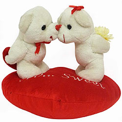 Eye Candy Kissing Couple on Heart